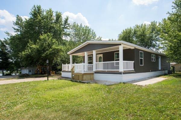 Mobile Home at 71 Parkwood Road, Elgin, IL