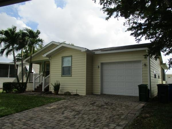 Mobile Home at 6618 Colonial Dr., Margate, FL