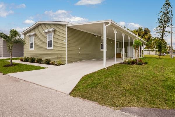 Mobile Home at 3229 Bending Oak Drive, Plant City, FL