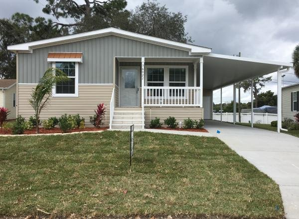 Mobile Home at 36021 Palm Breeze Lane, Grand Island, FL