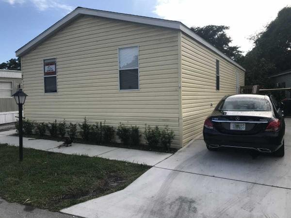 Mobile Home at 6800 NW 39th Ave, Lot 82, Coconut Creek, FL