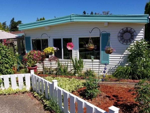 Mobile Home at 11756 SW Royal Villa Drive, Tigard, OR