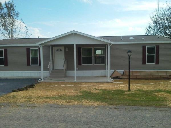 Mobile Home at 6149 Snyders Church Rd, Bath, PA