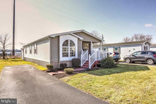 Mobile Home at 484 Brendon Drive, Leola, PA
