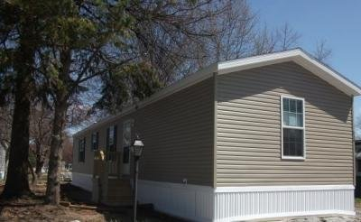 Mobile Home at 078 West Foxrun Holland, OH