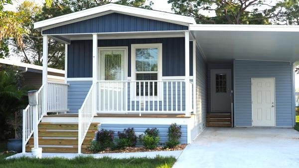 Photo 1 of 2 of home located at 1455 90th Avenue, Lot 29 Vero Beach, FL 32966