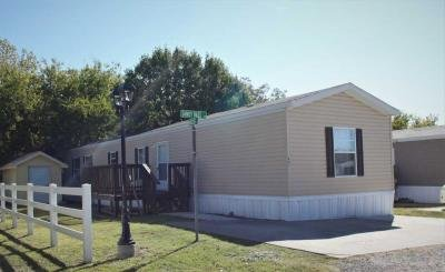 Mobile Home at 401 Sandy Bass Ln Newark, TX 76071