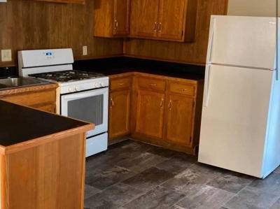 Mobile Home at 9 Pleasant Lane  Freeport, IL 61032