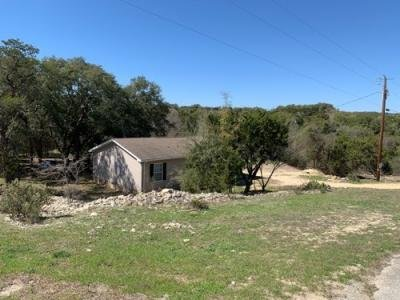 Mobile Home at 117 UTE TRL Bandera, TX