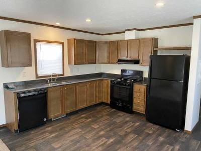 Mobile Home at 18 North St Hartford, IA 50118