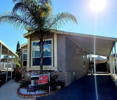 Mobile Home at 7101 E. Rosecrans #144 Paramount, CA 90723