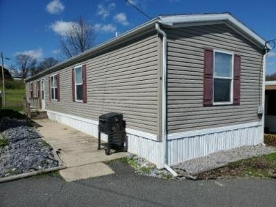 Mobile Home at 4 PLEASANT HILL AVE Akron, PA