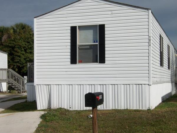 2005 FLEETWOOD Mobile Home For Rent