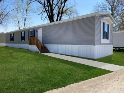 Mobile Home at 2711 S. 72Nd Dr. Lot 102 Kansas City, KS 66106