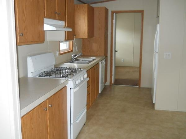2004 HIGHLAND PARK Mobile Home For Rent