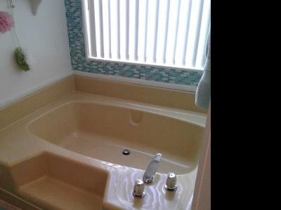 Large tub master bath