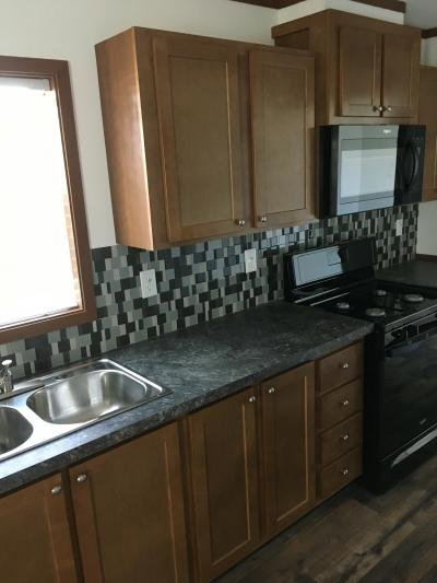Mobile Home at 45 Lincoln Ave Lot 45Ll Indianola, IA 50125