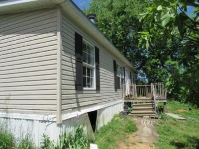 Mobile Home at 1591 PLEASANT HILL RD Ten Mile, TN 37880