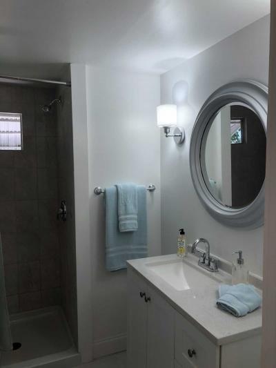 Mobile Home at 2555 Pga Blvt Lot 63 Palm Beach Gardens, FL 33410
