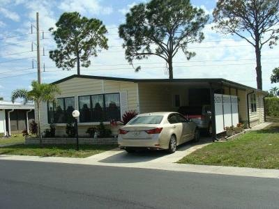 Mobile Home at 10 Sunset Cir North Fort Myers, FL 33903