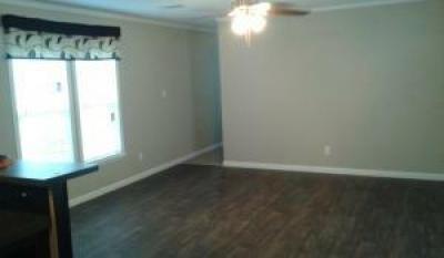 Mobile Home at 13223 Fish Rd Lot #71 Dallas, TX 75253
