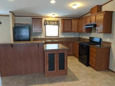 Mobile Home at 2810 Yankee Ct Potterville, MI 48876