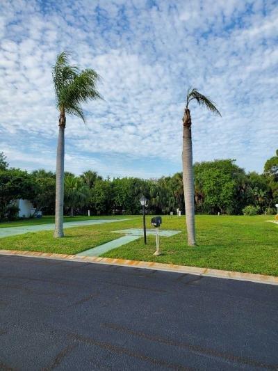 Mobile Home at 620 57Th Avenue West,   I-5 Bradenton, FL 34207