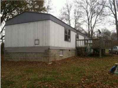 Mobile Home at 2641 Williamsburg Pike Richmond, IN 47374