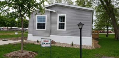 Mobile Home at 264 Kingsway Dr. North Mankato, MN 56003