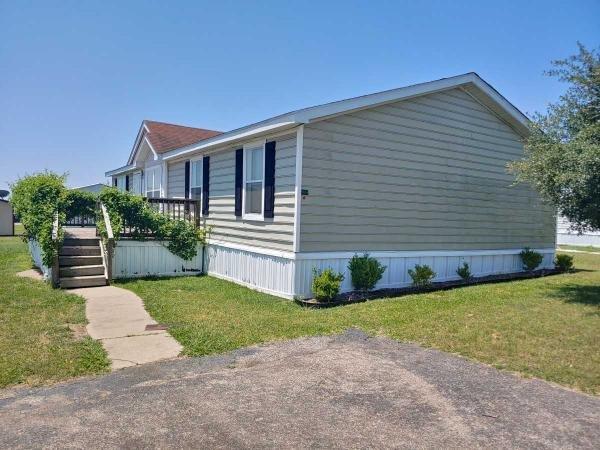 2000 Oakwood Mobile Home For Rent