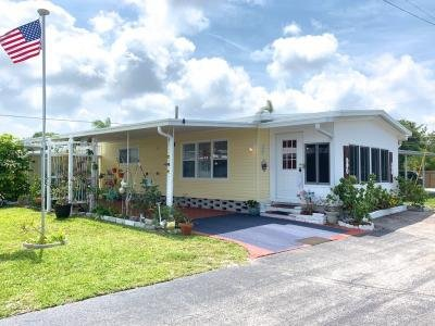 Mobile Home at 7400 46Th Avenue North, Lot 327 Saint Petersburg, FL 33709