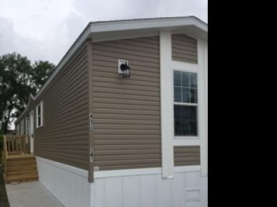 Mobile Home at 4928 Woodale Court Lot 341 Davenport, IA 52806