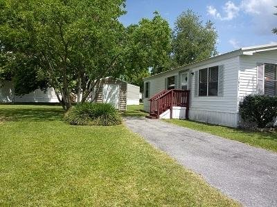 Mobile Home at 1611 Linares Way Lot 335 Jacksonville, FL 32221