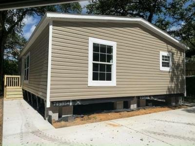 Mobile Home at 9301 Eden Drive Tampa, FL 33610