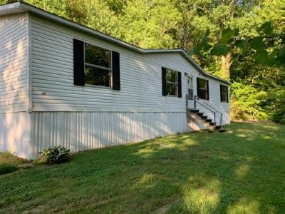 Mobile Home at 407 Bourbon Hollow Rd Grayson, KY 41143