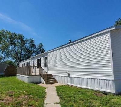 Mobile Home at 200 Beach Edwardsville, KS 66113