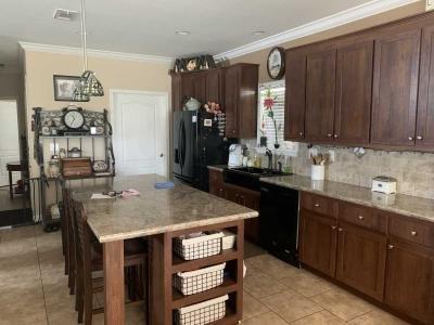 Mobile Home at 9011 Nautilus Cir Tampa, FL 33635