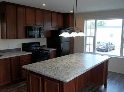 Mobile Home at 24657 Cherokee South Flat Rock, MI 48134