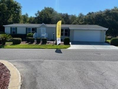 Mobile Home at 915 E. Norman St. Lady Lake, FL 32159