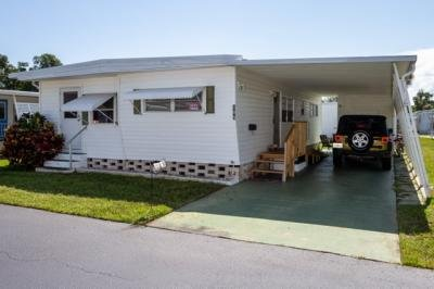 Mobile Home at 105 Pier H Naples, FL 34112