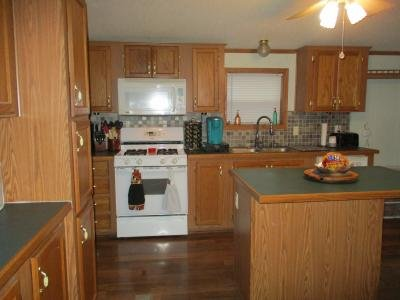 Mobile Home at 3800 Davids Landing Monroe, MI 48161