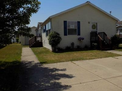 Mobile Home at 24889 N Hampton Dr Flat Rock, MI 48134