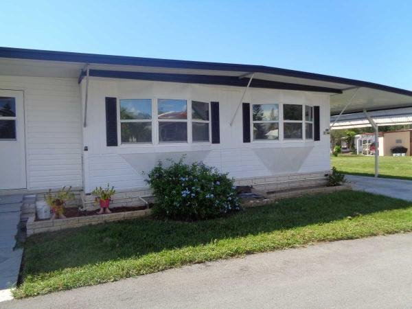 1976 PARKWAY Manufactured Home