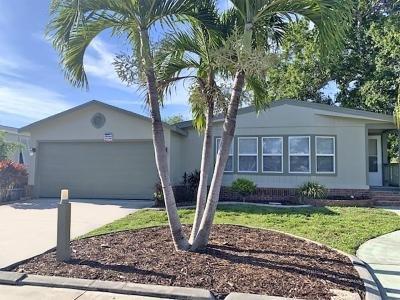 Mobile Home at 5400 Via Estrella North Fort Myers, FL 33903