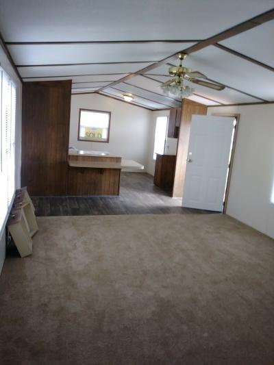 Mobile Home at 25221 Navaho Avenue Flat Rock, MI 48134
