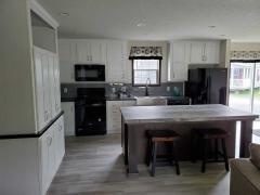 Photo 4 of 5 of home located at 1712 Pella Avenue Oskaloosa, IA 52577