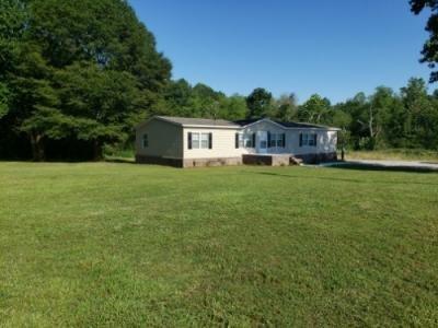 Mobile Home at 1411 Feemster Gap Rd Guntersville, AL 35976