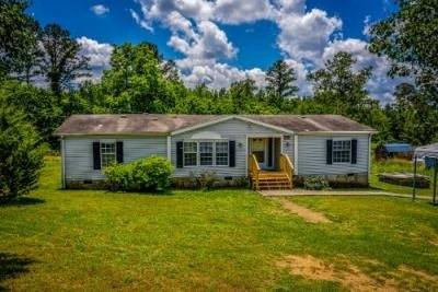 Mobile Home at 198 BILL HOWARD RD Old Fort, TN 37362
