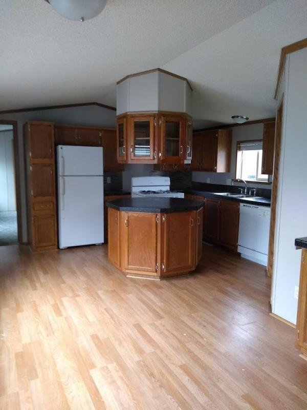 1996 WICK Mobile Home For Rent