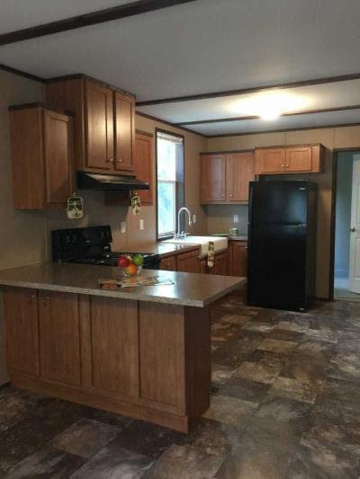 Mobile Home at 11305 Lakeside Dr (Lot 063) Hagerstown, MD 21740